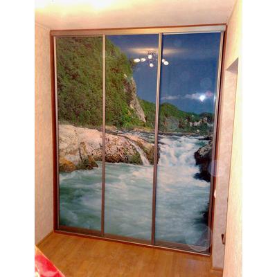 Шкаф-купе 3-х дверный, двери - стекло с печатью