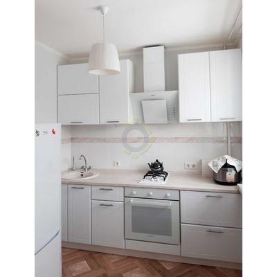 Маленькая белая кухня на заказ